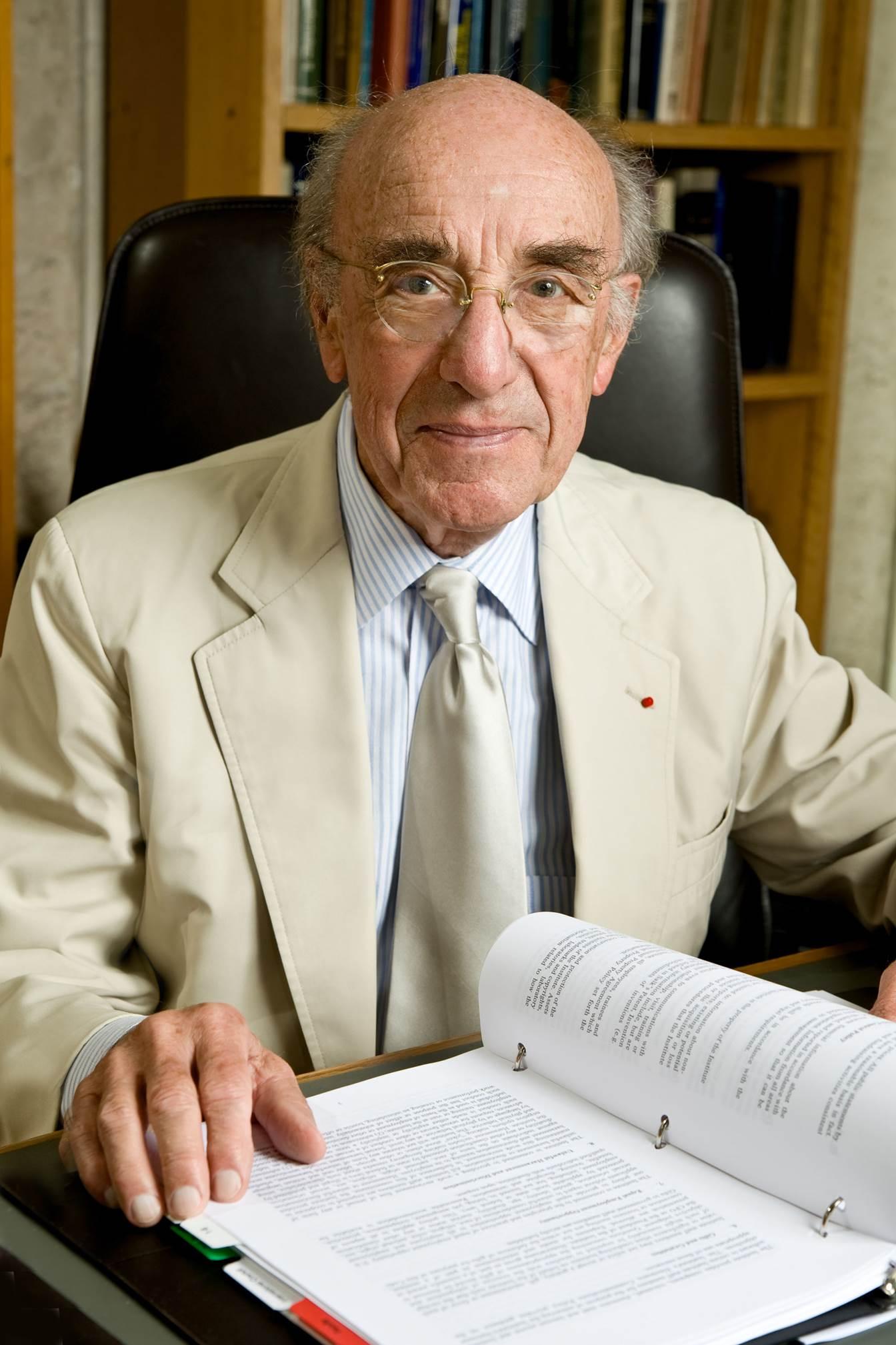 Dr. Guillemin Photo